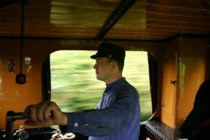Zelf een stoom- of dieseltrein besturen